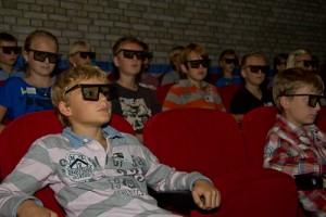 Kids kijken 3dfilm