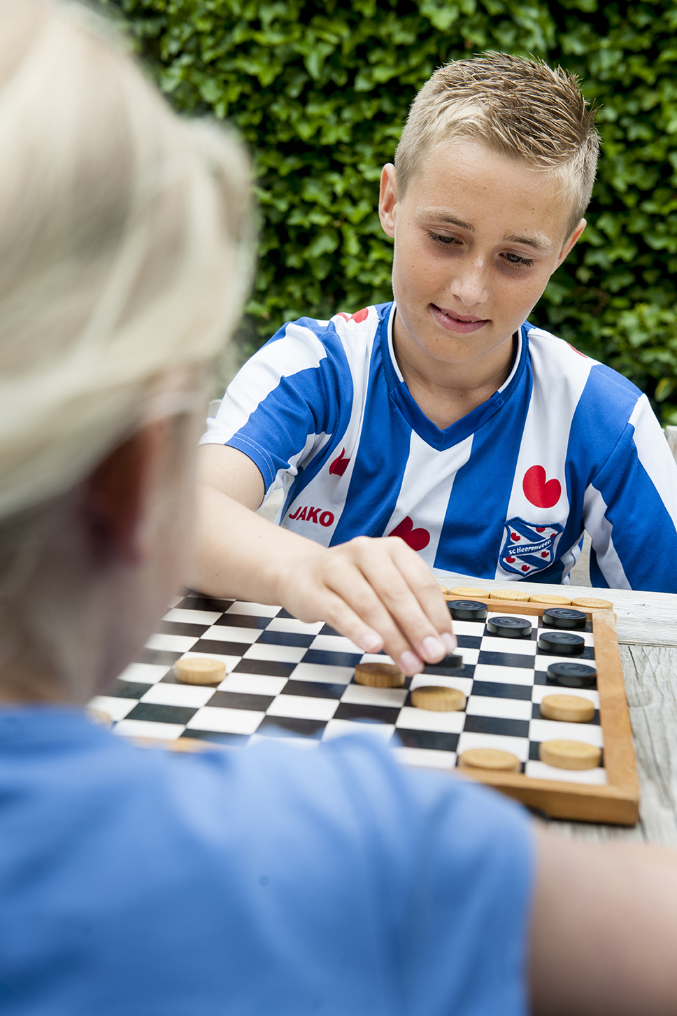 ©foto: Hoge Noorden / Jacob van Essen foto dd 09-07-2015 Blauhuis Jurgen Popma doet aan Fries Dammen. Afuk Heit en Mem     .